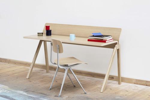 CPH190-Desk-wb-lacquer-oak_Result-Chair-